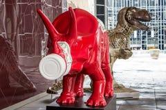 Heinz Ketchup och brun dinosaurie Royaltyfri Bild