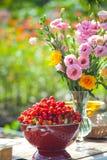 Heirat, Brautduschblumen Lizenzfreie Stockbilder
