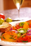 Heirloom-Tomate-Salat lizenzfreies stockbild