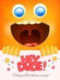 Hej facet urodzinowa karta z żółtym smiley twarzy tłem Obraz Stock