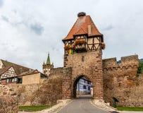 Heksentoren in Chatenois, de Elzas, Frankrijk Stock Fotografie