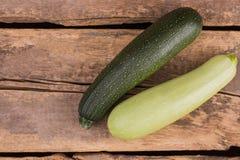 Hel grönsak för squashzucchinimärg arkivfoton