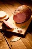 Hel skinka med bröd Royaltyfri Fotografi
