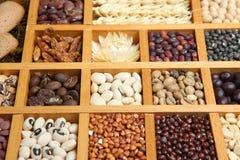 hela indiska kryddor Arkivbild