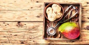 Helado con sabor del mango Fotografía de archivo libre de regalías