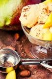 Helado con sabor del mango Imagen de archivo libre de regalías