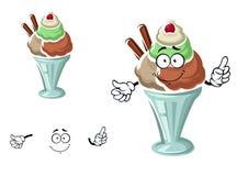 Helado del helado con la cereza y la galleta Imágenes de archivo libres de regalías