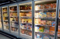 Helado en supermercado Imagen de archivo