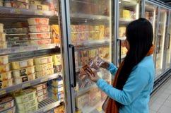 Helado en supermercado Fotografía de archivo