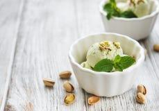 Helado y menta del pistacho Imagenes de archivo