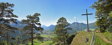 Heldenkreuz vicino a Eschenlohe, alpi bavaresi della sommità Immagine Stock Libera da Diritti