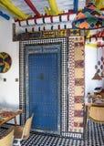 Helder gekleurde Marokkaanse gestileerde boutiquebistro Stock Foto's