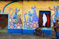 Helder gekleurde muurschildering, Ataco, El Salvador Stock Foto's