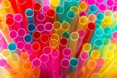 Helder multicolored het drinken stro Stock Foto