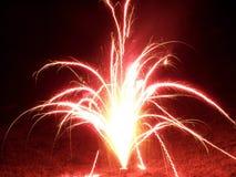 Helder Rood Vuurwerk Stock Fotografie