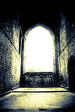 Helder venster in oude catherdral Stock Afbeelding
