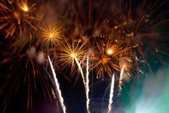 Helder verbazend vuurwerk Stock Afbeeldingen