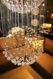 Heldere briljante kroonluchter royalty-vrije stock afbeeldingen