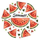 Heldere de zomerillustratie: sappige watermeloenplakken, de zomerinschrijving, driehoeken stock illustratie