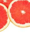 Heldere die grapefruit op witte achtergrond wordt geïsoleerd Royalty-vrije Stock Afbeelding