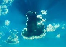 Heldere en donkere wolkenhemel Stock Foto's