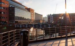 Heldere foto van grote gebouwen in centraal Birmingham stock afbeeldingen
