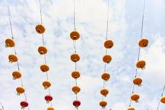 Heldere gele Chinese lantaarns op de straat van Singapore royalty-vrije stock afbeelding