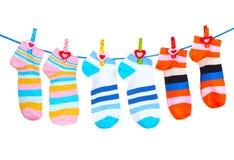 Heldere gestreepte online sokken stock fotografie