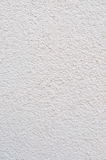 Heldere Grey Beige Plastered Wall Stucco-Textuur, het Gedetailleerde Natuurlijke Verticale Concrete Pleister van Gray Coarse Rust Royalty-vrije Stock Afbeeldingen