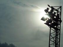 Heldere grote lange openluchtstadionschijnwerpers Royalty-vrije Stock Afbeelding