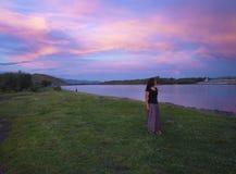 Heldere hemel in zonsondergangtijd Stock Afbeeldingen