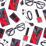 Heldere illustratie met manier naadloos patroon met zwarte en rode toebehoren in tileable ontwerp Hand getrokken hipster oogglaze Royalty-vrije Stock Afbeelding