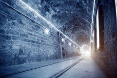 Heldere lichte tunnel stock afbeelding
