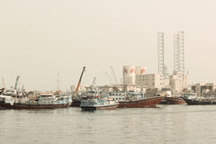 Heldere mening van Vissershaven van Ajman in Doubai, de V.A.E op 28 Juni 2017 Stock Afbeeldingen