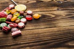 Heldere munt van de suikergoed de houten vakantie Stock Fotografie