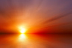 Heldere rode zonsondergang Stock Foto