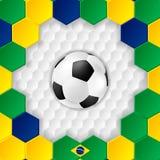 Heldere voetbalachtergrond met bal braziliaans Stock Fotografie