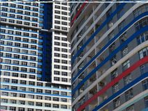 Heldere wolkenkrabber De textuur van het gebouw De samenvatting fragmen Royalty-vrije Stock Afbeelding