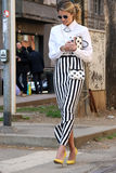 Helena bordon Streetstyle Milano, Milan moda tygodnia jesieni zima 2015 2016 obraz stock