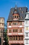 Helft-betimmerd huis in Frankfurt stock afbeeldingen