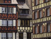 Helft-betimmerde huizen in Colmar royalty-vrije stock foto