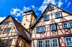 Helft-betimmerde huizen in de Leiding van Lohr am in Spessart-Bergen, Duitsland Royalty-vrije Stock Fotografie