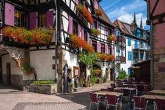 Helft-betimmerde huizen in het historische centrum van Obernai in de Elzas Royalty-vrije Stock Afbeeldingen