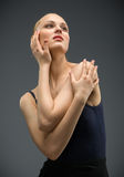 Helft-lengte portret van dansende ballerina Stock Afbeelding