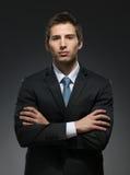 Helft-lengte portret van de mens met gekruiste wapens Royalty-vrije Stock Afbeeldingen