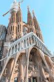 Helg i staden av Barcelona familia sagrada royaltyfria foton