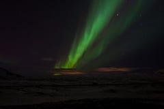 Helgafell和Bláfjöll北极光展示 库存照片