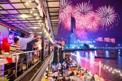 Helgdagsaftonberömmar för nytt år i Pattaya Arkivbild