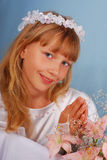 helgedom för första flicka för nattvardsgång gående till Royaltyfri Foto