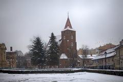 Helgedomkorskyrka i Krakow nära nationell teater Arkivbilder